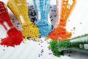 recycled plastic granules 500x500 300x200 - پلی اتیلن چیست؟